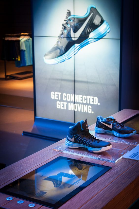 How Digital Signage Is Helping Retailers To Enhance In
